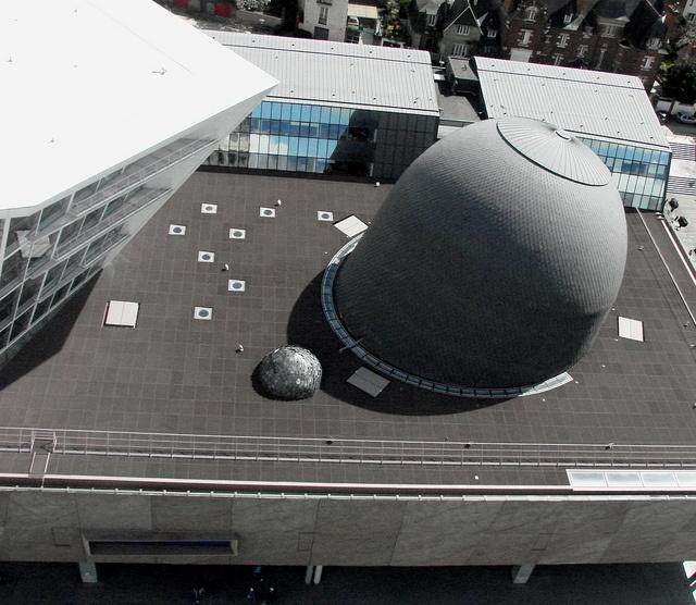 Bulbulux | Installation d'Antoine Dorotte sur le toit des Champs Libres.
