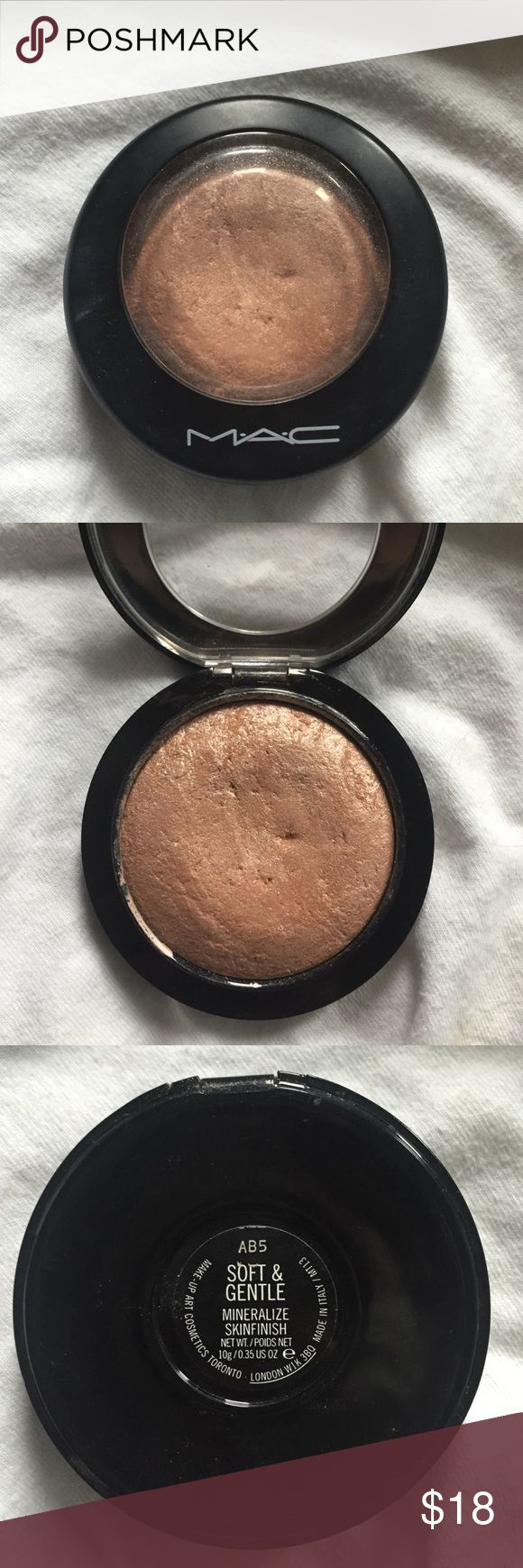 MAC Highlighter Mac soft and gentle highlighter. Bought off another posher and was too light for me. Good condition MAC Cosmetics Makeup