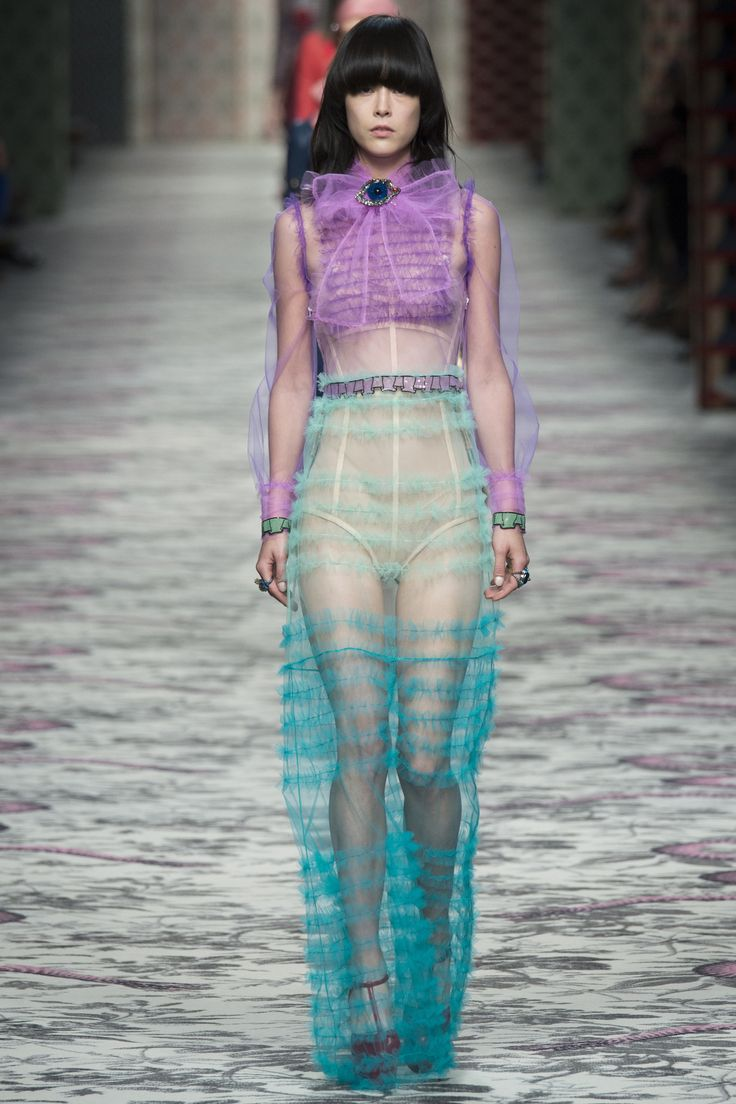 Gucci Spring 2016 Ready-to-Wear Fashion Show - This look is absolute perfection