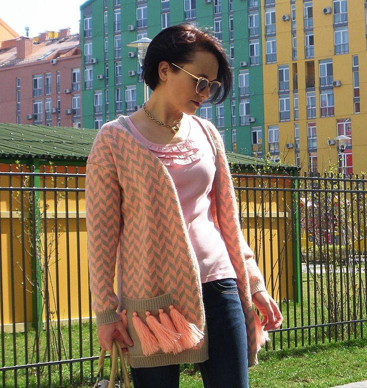 Хоть уже и конец лета и #зимаблизко  но есть еще осень И будем надеяться что теплые деньки еще вернутся в этом году но в прохладные вечера все же нужно утепляться  #fashion #fashionknit #knitting #knit #handmade #madeinukraine #knitwear #fw1718 #love #fashionblog #style #kiev #вязаныйкардиган #вязание #вязаниеназаказ #dream #одежда #мода #стиль #ручнаяработа #ярмаркамастеров #трикотаж #всісвої #украина #кардиган #вязаниеукраина #кардиганназаказ #wool #candy
