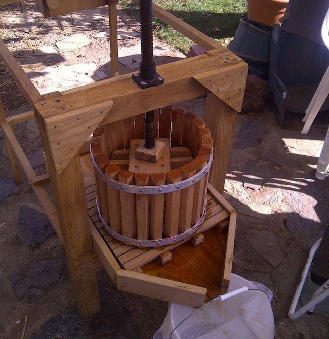 DIY Apple Cider Press - pressing