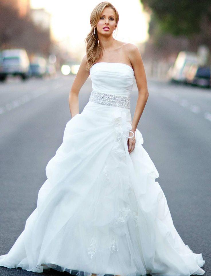 144 best Wedding Dresses images on Pinterest | Wedding frocks ...