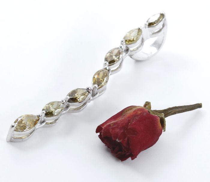 Witgouden hanger bezet met 106 ct markies fancy groenachtige gele diamanten - gecertificeerd  EUR 1.00  Meer informatie