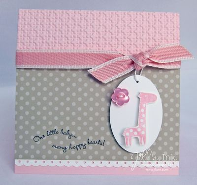 How cute is that little tag with the giraffe? I like the saying on there for a birth announcement