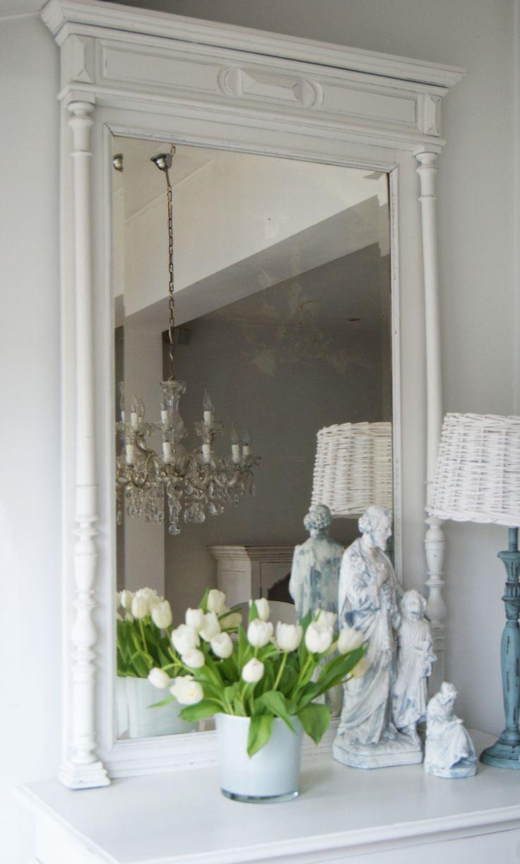 Mooie grote witte brocante spiegel!