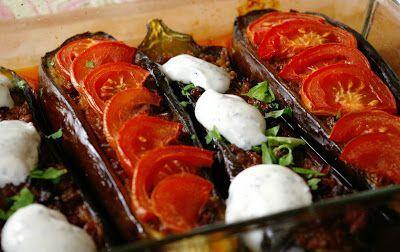 zadanie - gotowanie: Bakłażany faszerowane mieloną wołowiną.