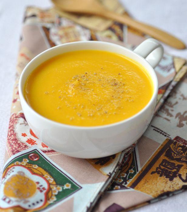 Velouté de carottes panais gingembre lait de coco et lentilles corail