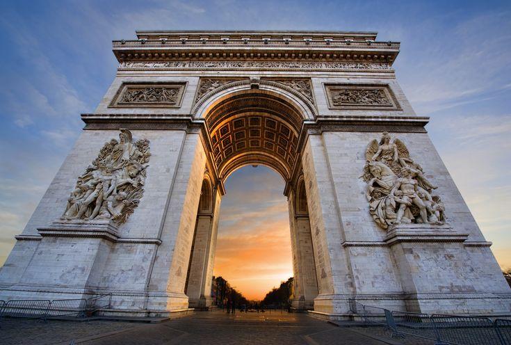 Arc de Triomphe in #Parijs #Frankrijk http://travelbird.nl/stedentrip/parijs/ #TravelBird