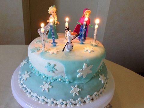 gateau anniversaire fille thème la reine des neiges