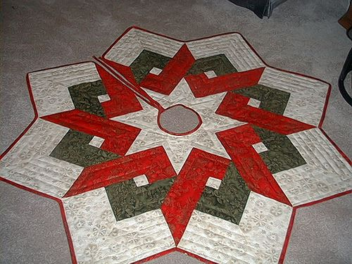 ~ Christmas Tree Skirt ~                                                                                                                                                     Más
