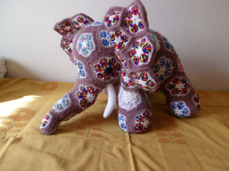 háčkovaný mamut