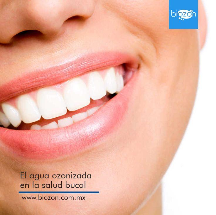 El agua ozonizada es altamente recomendada por los ozonoterapeutas en el cuidado de la salud bucal. Por su acción  bactericida ayuda a combatir el mal aliento y es un apoyo ideal en los tratamientos para las infecciones de encías.