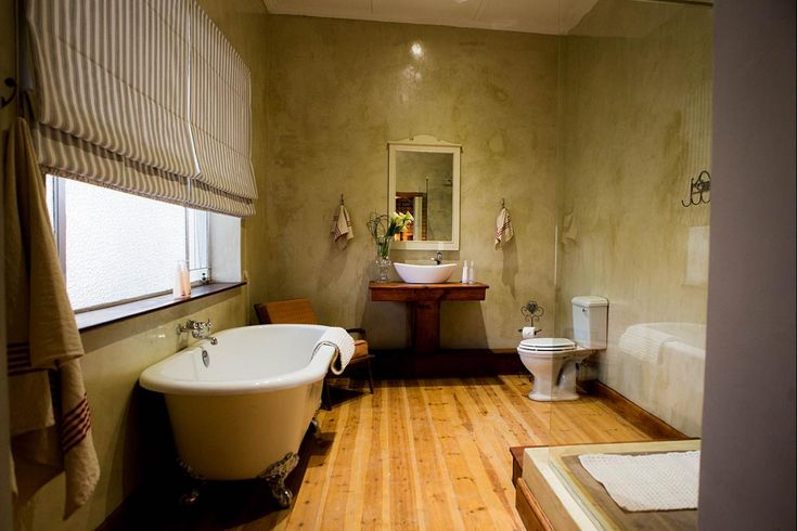 Have a relaxing bath at Three Birds Country House  in Richmond  #relax #bath #decor