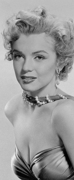 Marilyn. Photo by Bruno Bernard, 1952.