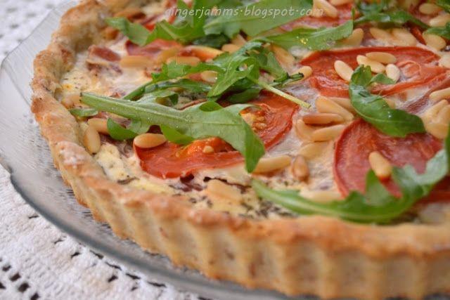 Ricotta-serranokinkku-tomaattipiirakka