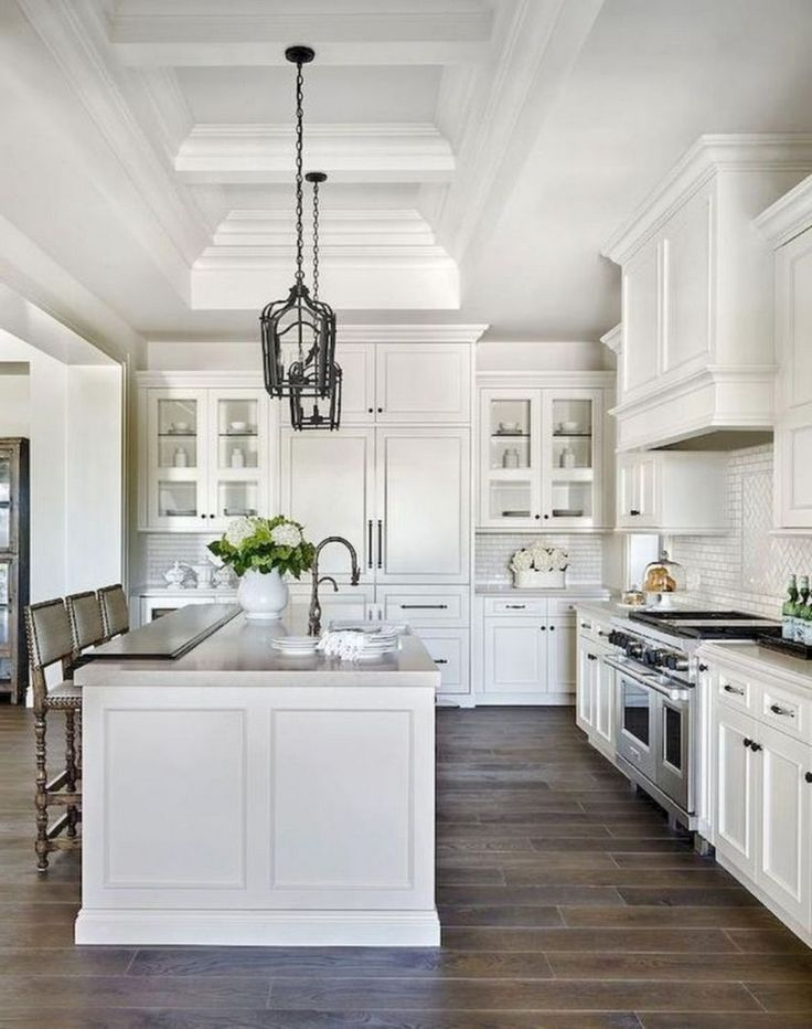 44 simple farmhouse kitchen cabinets makeover ideas white farmhouse kitchens luxury kitchens on farmhouse kitchen cabinets id=97783
