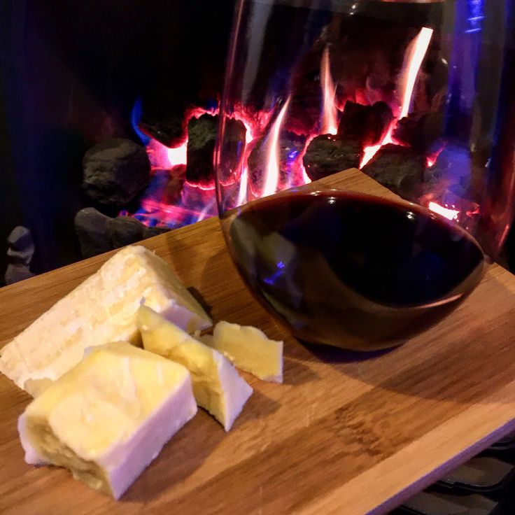 PALATE PAIRINGS Are you experiencing an after dinner craving? The smoothness of our Pairings Cabernet Merlot becomes a textural delight when paired with sharp, aged cheese! Enjoy fireside for a bit of weekend indulgence!