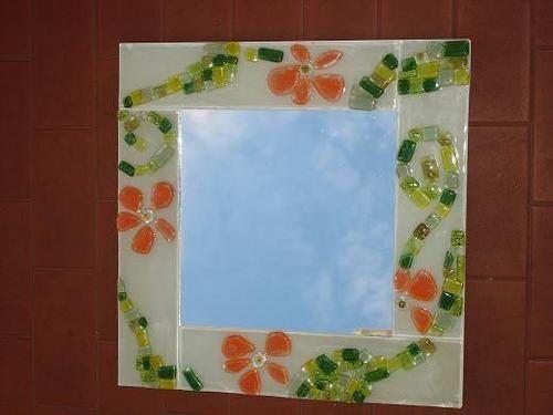 Imagenes de espejos decorados con gemas buscar con for Espejos con marco de madera decorados