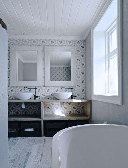 Mias Interior / New Room Interior / Vives Azulejos y Gres / Calvet Gris #vivesceramica #hydraulictiles #tiles #ceramics #azulejohidraulico