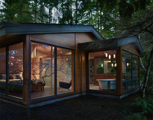 casa de huéspedes en el patio trasero.