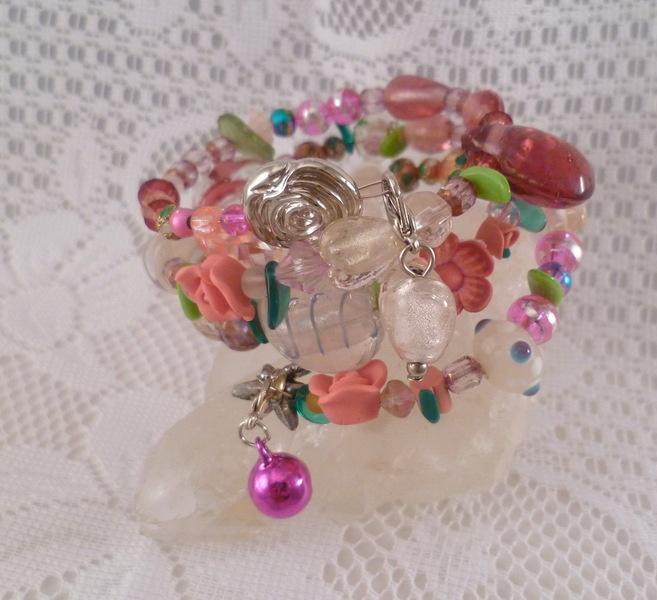 ♥ Spiralreif Rosengarten♥  Zauberhaft romantisches Schmuckstück voller Magie und märchenhafter Anmut:   Glasperlen, Cloisonne,Balibeads, Crackleperlen