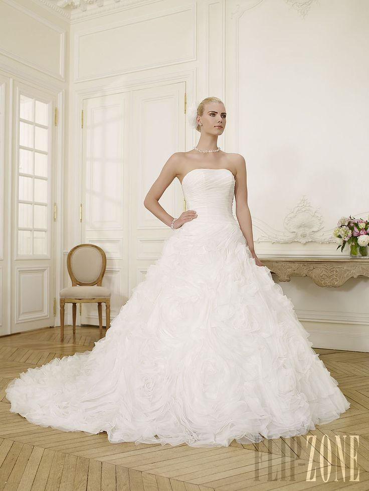 Fancy High quality UK wedding apparel with fast shipping and excellent service makes your wedding perfect and impressive