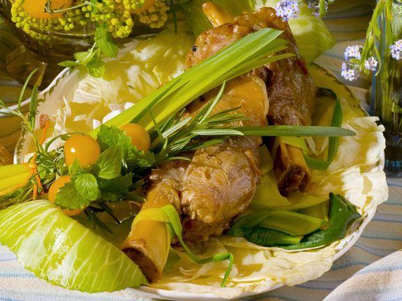 Kalbshaxen mit gemischtem Gemüse ist ein Rezept mit frischen Zutaten aus der Kategorie Kalb. Probieren Sie dieses und weitere Rezepte von EAT SMARTER!