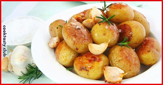 Ингредиенты: молодой картофель сорта Maris Piper небольшого размера; масло сливочное; гусиный жир; клементины (мандарины); розмарин; шалфей; чеснок; оливковое масло extra virgin. Приготовление Очищенный картофель отваривается в подсоленной воде около 10 минут. Наилучший печеный картофель получается, если отваривать его почти до той стадии, когда уже можно делать из него пюре. Поэтому очень важно уловить нужный момент …