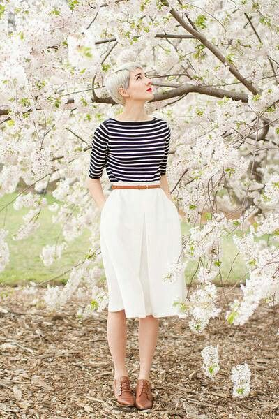 That classy vintage look, and how to wear those oxfords shoes right.  Very cute.