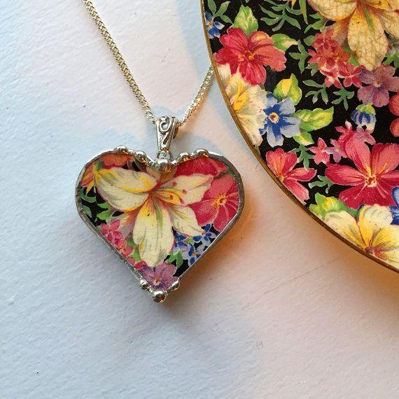 Broken china jewelry heart pendant necklace vintage Royal Winton Florence chintz