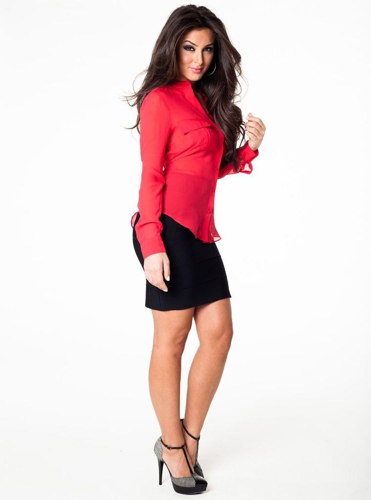 mini-black-skirt
