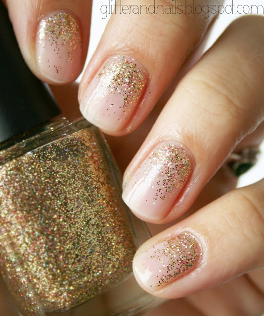 Glitter and Nails: Je suis une princesse des ongles : Essie Mademoiselle + Color Club Gingerbread