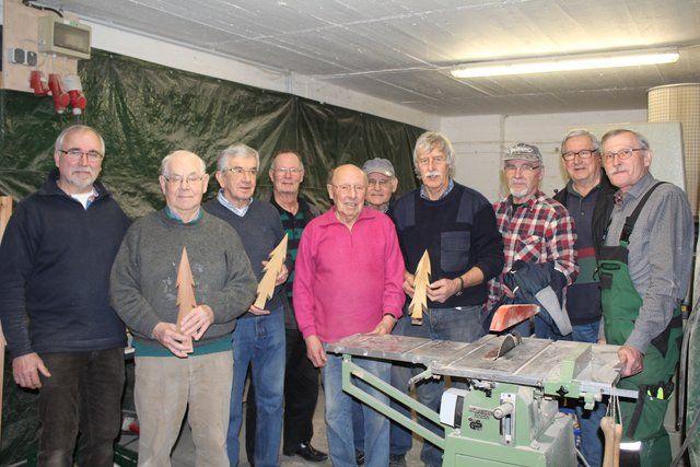 Holzarbeiten Mit Senioren