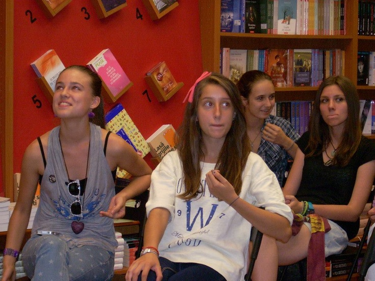 21st century teen bookhunters Lexis Unirii) at Libraria Diverta (Unirii Shopping Centre)