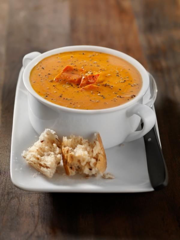Roasted Red Pepper Soup with Yogurt Pesto Swirl.  Looks double yum!