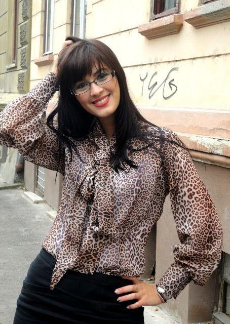 A Alexandra: #CurlyBoutique one yerar