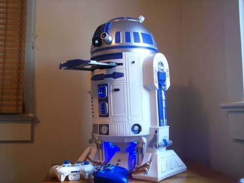 R2-XBOX- Homemade  I wonder if this would work for a computer....