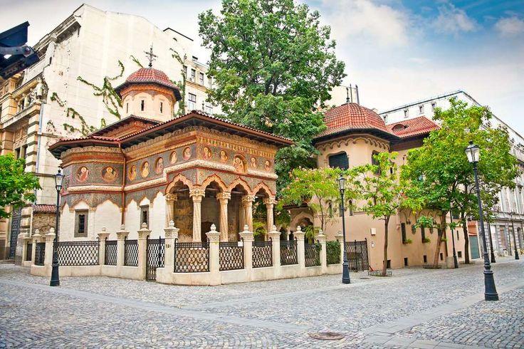 Monastério Stavropoleos é um clássico exemplo de igreja ortodoxa romena. Bucareste, Roménia