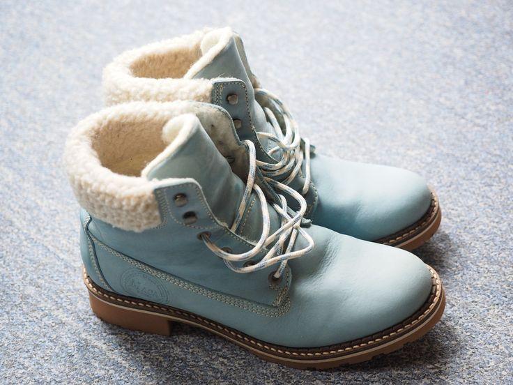Buty w czasie zimy narażone są na zniszczenie przez sól drogową, wysypywaną na chodniki. Jak ochronić się przed jej zgubnym działaniem i usunąć białe osady z powierzchni obuwia?  Pozdrawiamy, Bmbutik.pl