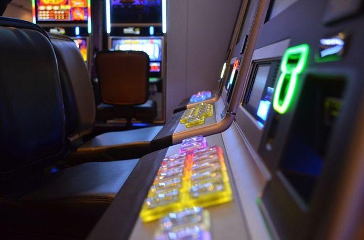 Napoli, il Consiglio di Stato dà ragione al Comune sul gioco d'azzardo