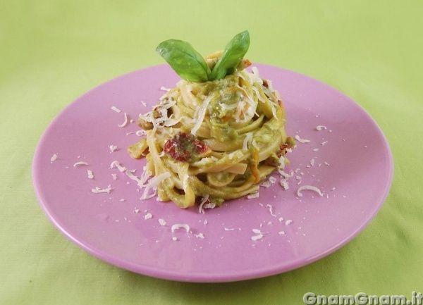• Pasta con crema di zucchine - Ricetta Pasta con crema di zucchine