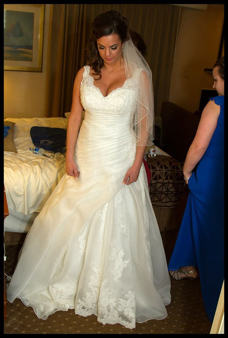 1000 images about like any girl i 39 ve been planning my for Wedding dresses for big busted women