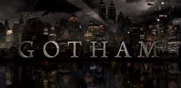 Nós sabíamos que esse icônico lugar pode fazer parte da trama principal da primeira temporada da série, mas agora um hospital de Nova York foi transformado no Asilo Arkham, o lugar que você já pode imaginar que, futuramente, vários vilões do Batman vão passar algum tempinho presos lá dentro. Aparentemente veremos o Asilo Arkham no …