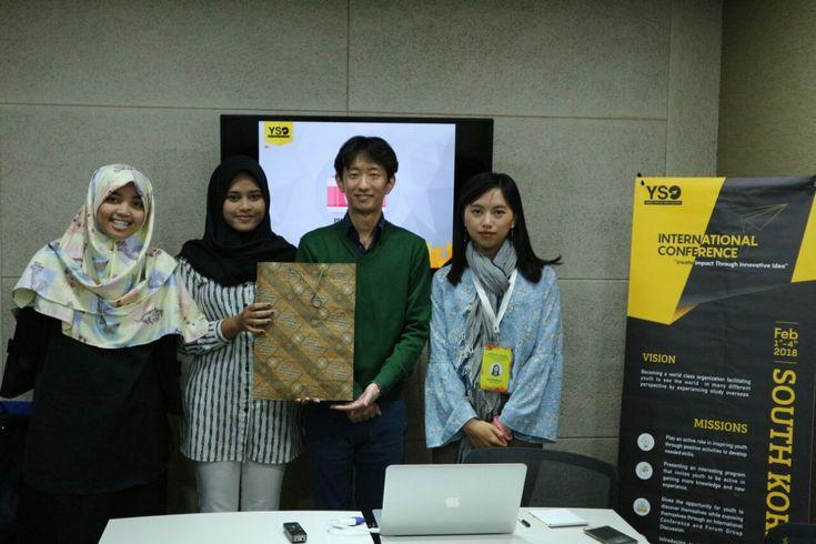 Mahasiswa EBS Sajikan Paper International di Start-Up Conference Korea Selatan