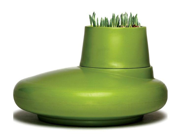 Polyethylene Flower pot LAND HO! by Nola Industrier design El ultimo grito