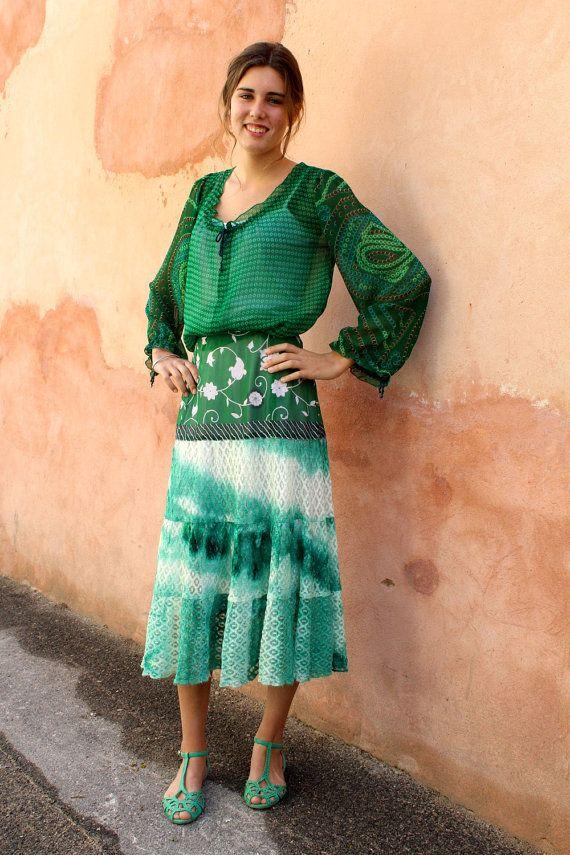 Jupe gitane dentelle tie and dye et tissu sari par MesOdalisques