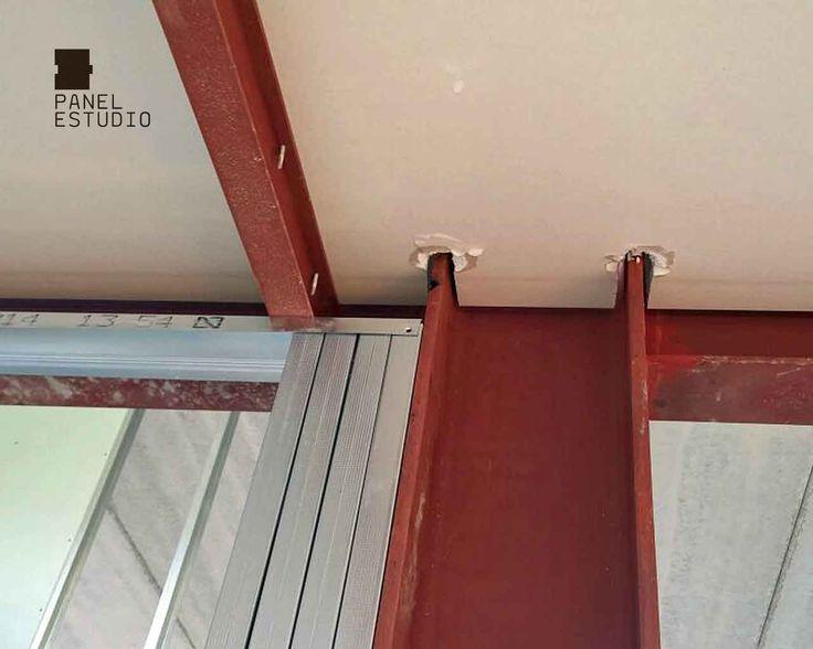 Panel de madera con n cleo aislante para cubiertas for Aislante para tejados