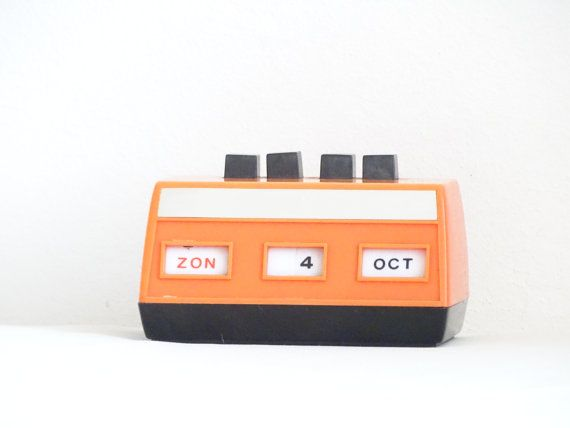 Retro Desk Calendar by LesTempsPerdus on Etsy