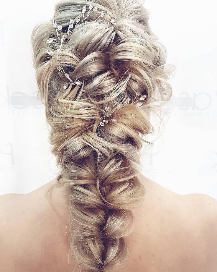 Dzień dobry :) Na zdjęciu slubniaczek z wczoraj a ja przypominam że wyzwanie 30 dni w rozpuszczonych wlosach trwa!   30 prostych fryzur po jednej na każdy dzień stycznia! Kto jeszcze nie dołączył? Link w bio!  . . . #hairbyme #hairbyjul #weddinghair #weddinglook #wedding #hair #hairstyle #hairstyles #bride #hotd #instahair #instagood #inspiration #longhairdontcare #blonde #polishgirl #beautiful #cute #hairideas #hairphotos #l4l #pic #picture #hairlove #hairart #ilovemyjob