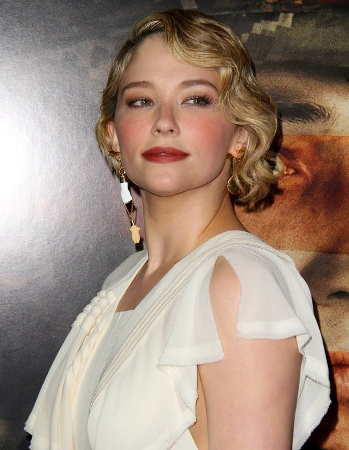 Pin By Zahra On Hair And Beauty In 2020 Haley Bennett Bennett Short Hair Styles